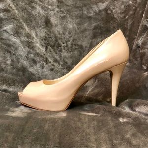 👡Almost New! Nine West Peep Toe Heels